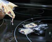 Comment enlever le plastique fondu sur une plaque vitrocéramique?